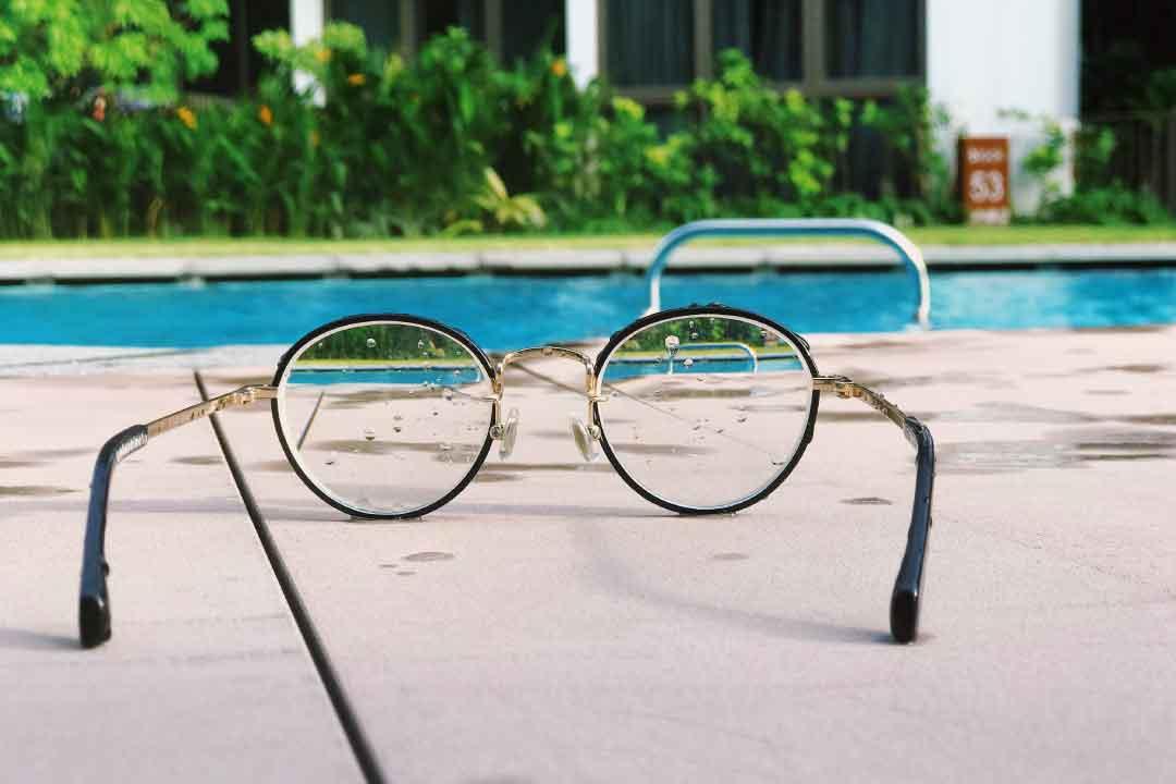 Short sighted vs long sighted
